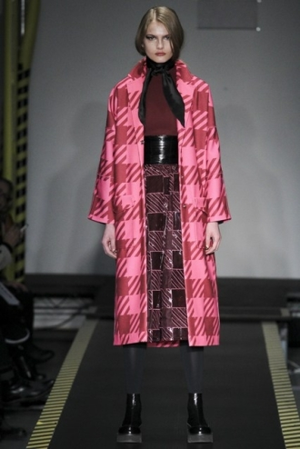 Houndstooth in hot pink